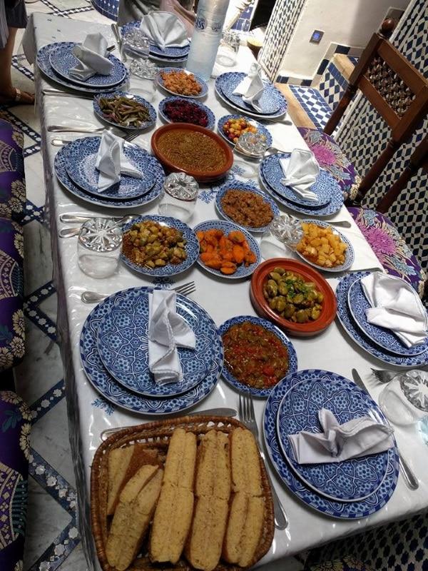 סלטים בארוחה מרוקאית